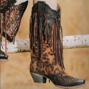 New Corral Leopard Stud Fringe Snip Toe Boots